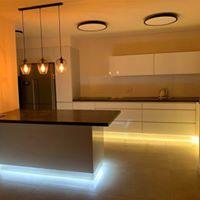 מטבח בסגנון מודרני. עוצב על ידי המעצב <a href='/designers?des_id=2352'>תומר צרפתי</a>