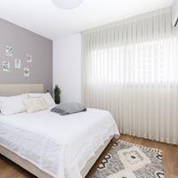חדר שינה בסגנון מינימליסטי. עוצב על ידי המעצב <a href='/designers?des_id=2468'>הילה אריאלי</a>